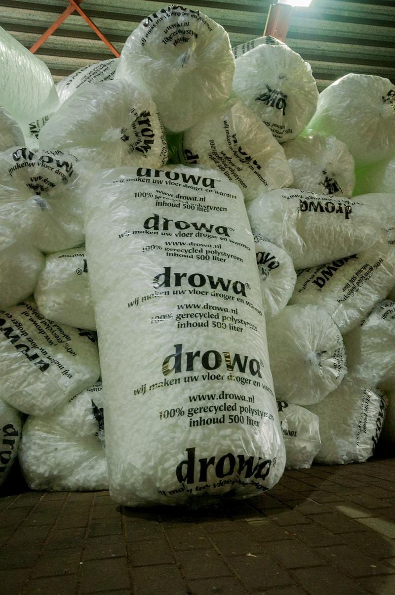 Zelf Drowa Chips los bestellen? Dat kan! Wij bezorgen zakken van 500 liter. Neem contact op met Drowa om je te laten adviseren over de hoeveelheid.