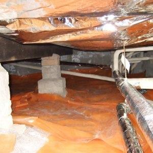 Isolatiefolie is erg breekbaar in vergelijking met Drowa Chips, vooral in een kruipruimte met vocht kan de vloer bij de kleinste scheur alsnog beschadigen